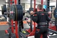 WEB-TV: På trening med 3 av landets beste styrkeløftere