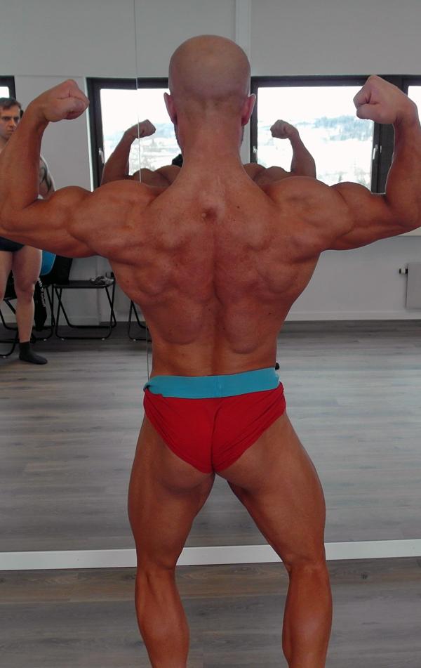 Lars-har-trent-med-vekter-i-17-år---nå-er-han-klar-for-å-debutere-i-Classic-Bodybuilding4