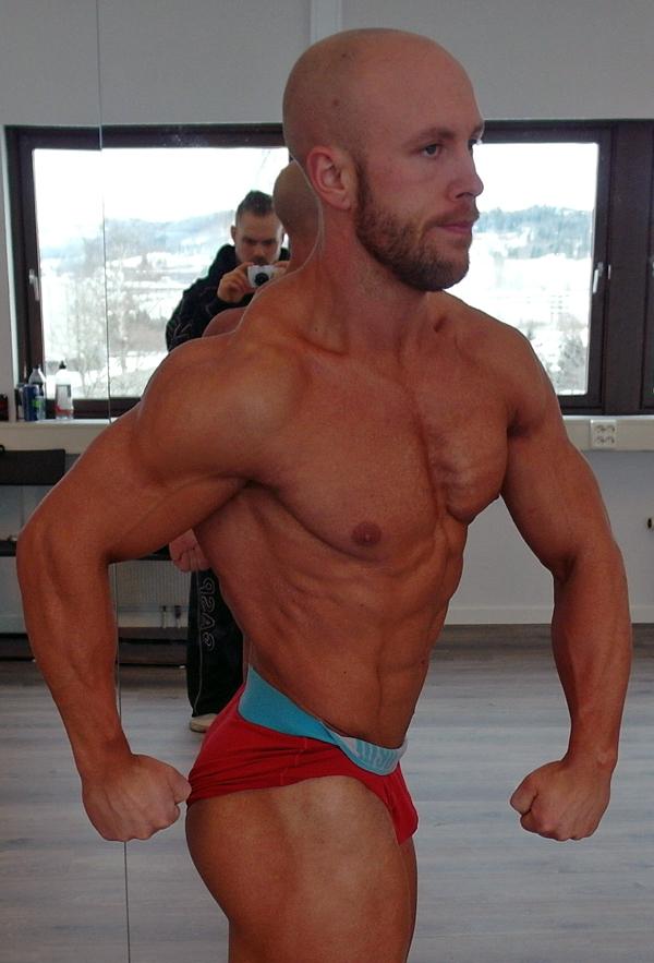 Lars-har-trent-med-vekter-i-17-år---nå-er-han-klar-for-å-debutere-i-Classic-Bodybuilding5