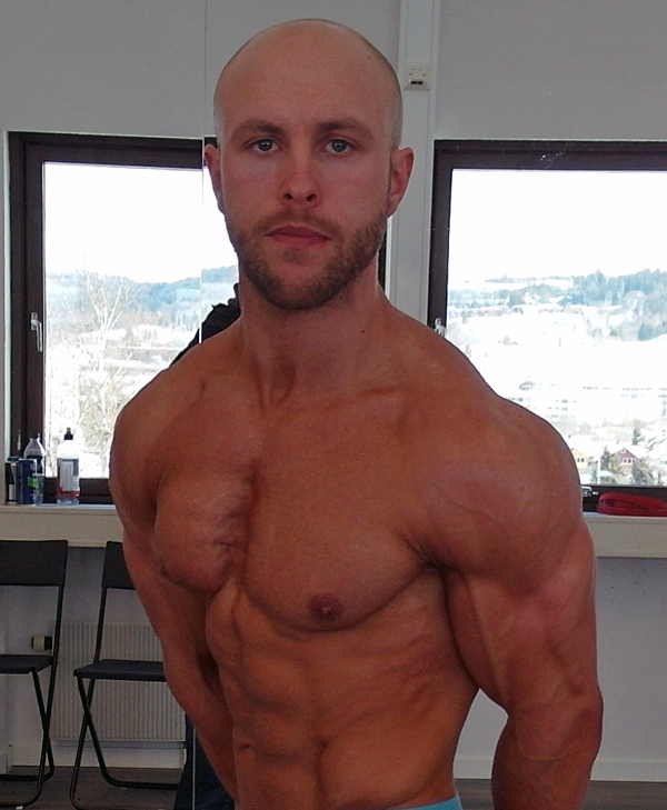 Lars-har-trent-med-vekter-i-17-år---nå-er-han-klar-for-å-debutere-i-Classic-Bodybuilding6