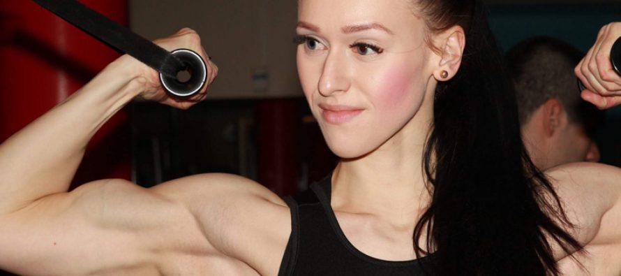 BODYFITNESS: Annja Njåstad (23) gjør ett comeback etter to fødsler.