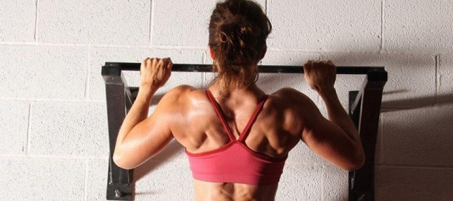 En slank og sterk kvinnekropp er flott – Ikke la gutta få ha vektene i fred.