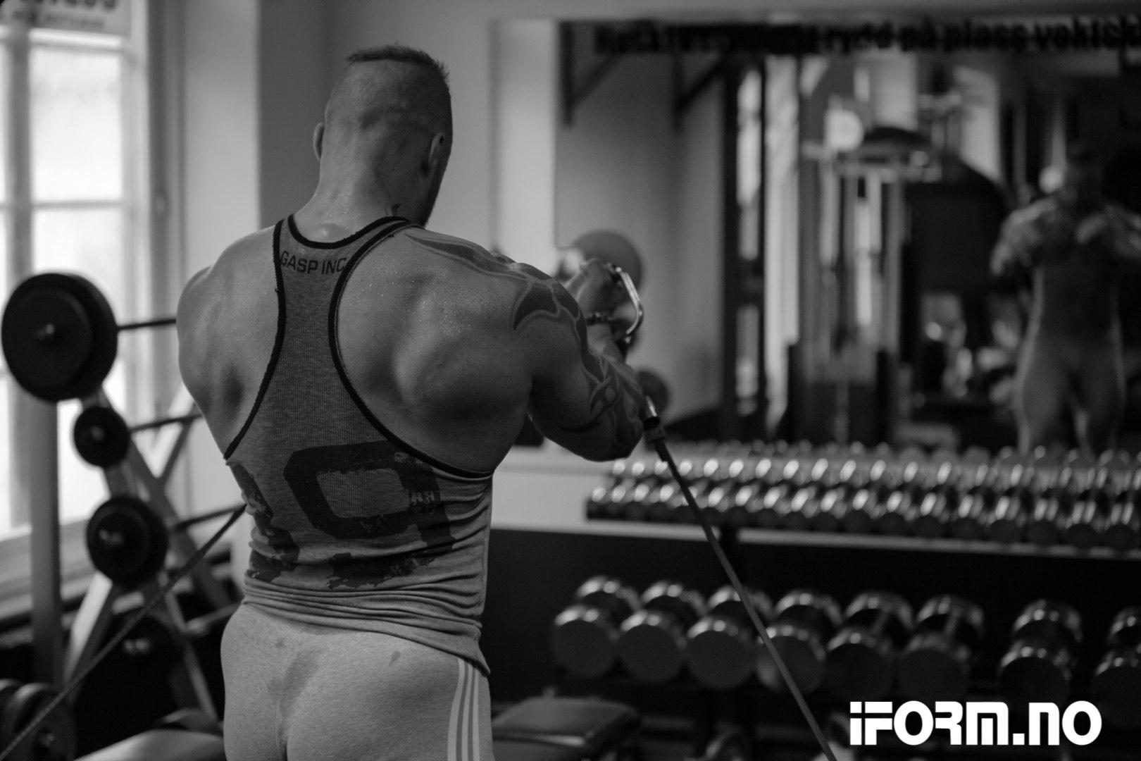 Hardcore bryst trening med Marius Osmundsen
